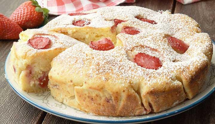 Gâteau fondant à la ricotta et aux fraises