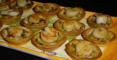 Mini-tartelettes Fondue de poireaux / Noix de St Jacques (sans corail)