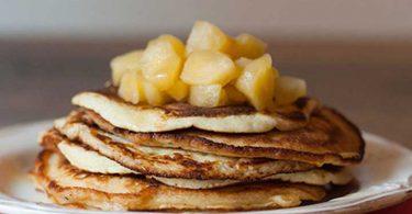 Pancakes à la pomme rapide et facile à réaliser juste en 5 étapes et le résultat magnifique