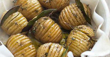 Pommes de terre rôties à la suédoise Hasselback potatoes