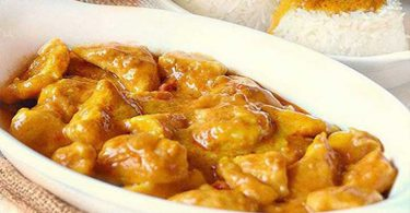 Ragoût léger de poulet plat de grand mère
