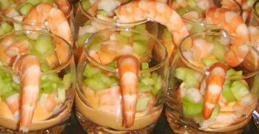 Verrine crevette sauce cocktail et concombre