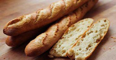 Astuce de boulanger : comment préparer une baguette tradition maison ?