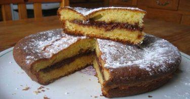 Gâteau au yaourt fourré au chocolat