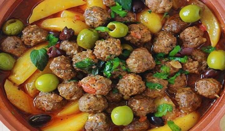 Tajine aux boulettes de viande et Pommes de terre (sauce tomate